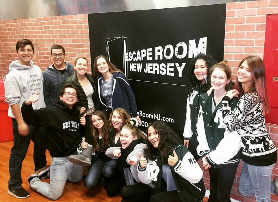 Escape room packages most popular package teens and for Escape room party